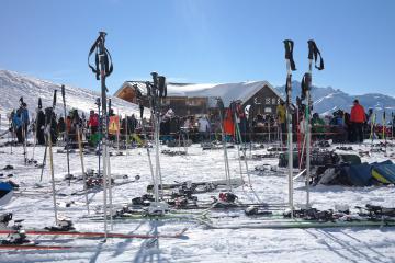 Comment choisir la taille de ses bâtons de ski ?