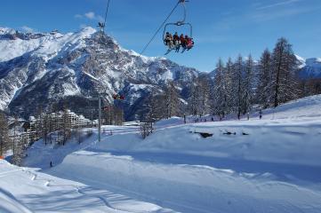 Partez skier à Puy Saint Vincent en famille