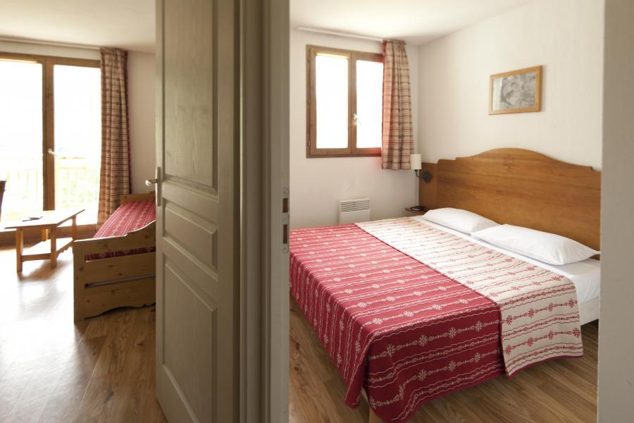 Rent in ski resort Résidence le Hameau des Aiguilles - Albiez Montrond - Bedroom