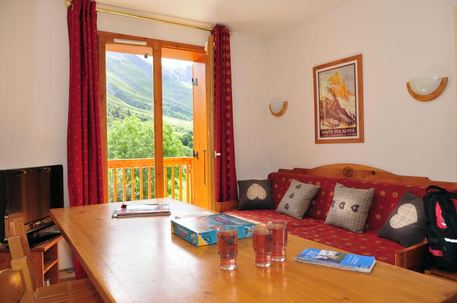 Location au ski Residence Le Relais Des Pistes - Albiez Montrond - Table