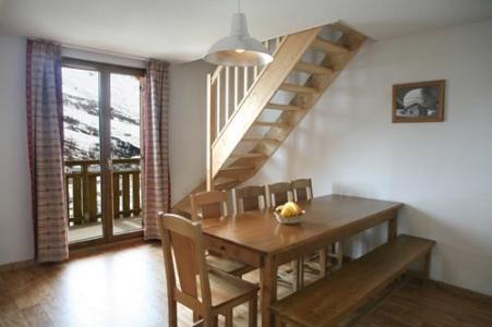 Location au ski Appartement duplex 3 pièces 8-10 personnes - Les Chalets Du Hameau Des Aiguilles - Albiez Montrond - Coin repas