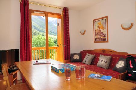 Location au ski Résidence le Relais des Pistes - Albiez Montrond - Table