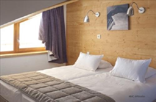 Location au ski Hotel L'alpenrose - Alpe d'Huez - Appartement