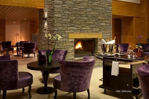 Location au ski Hotel L'alpenrose - Alpe d'Huez - Cheminée