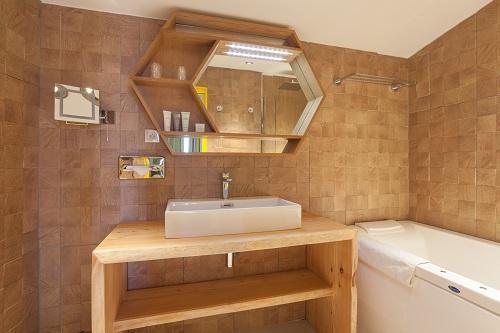Location au ski Hotel Royal Ours Blanc - Alpe d'Huez - Salle de bains