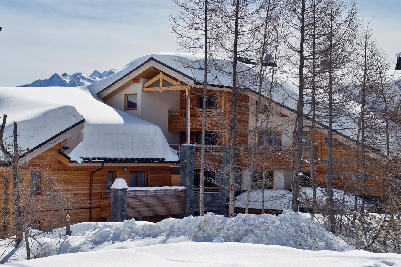 l 39 alpenrose lagrange prestige 10 alpe d 39 huez location vacances ski alpe d 39 huez ski planet. Black Bedroom Furniture Sets. Home Design Ideas