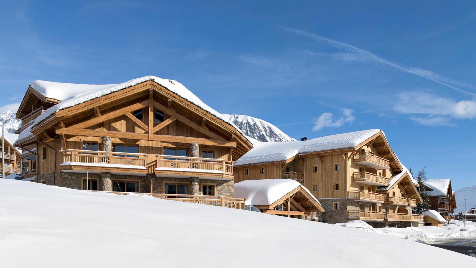 r sidence le cristal de l 39 alpe 15 alpe d 39 huez location vacances ski alpe d 39 huez ski planet. Black Bedroom Furniture Sets. Home Design Ideas