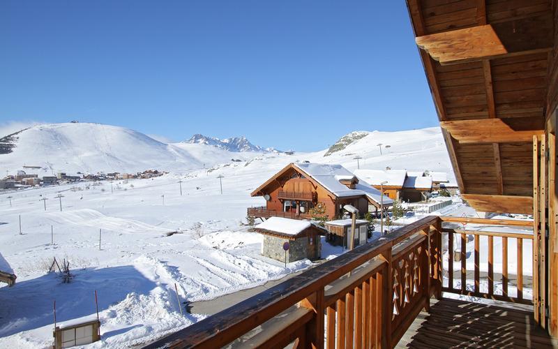 Аренда на лыжном курорте Chalet des Neiges - Alpe d'Huez - зимой под открытым небом