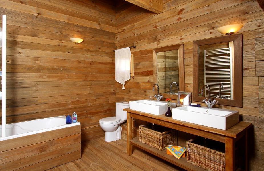 Location au ski Chalet Mélusine - Alpe d'Huez - Salle de bains