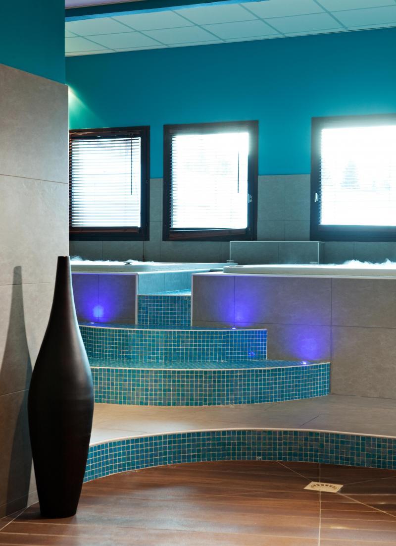 Location au ski Hôtel Club MMV les Bergers - Alpe d'Huez - Bain à remous