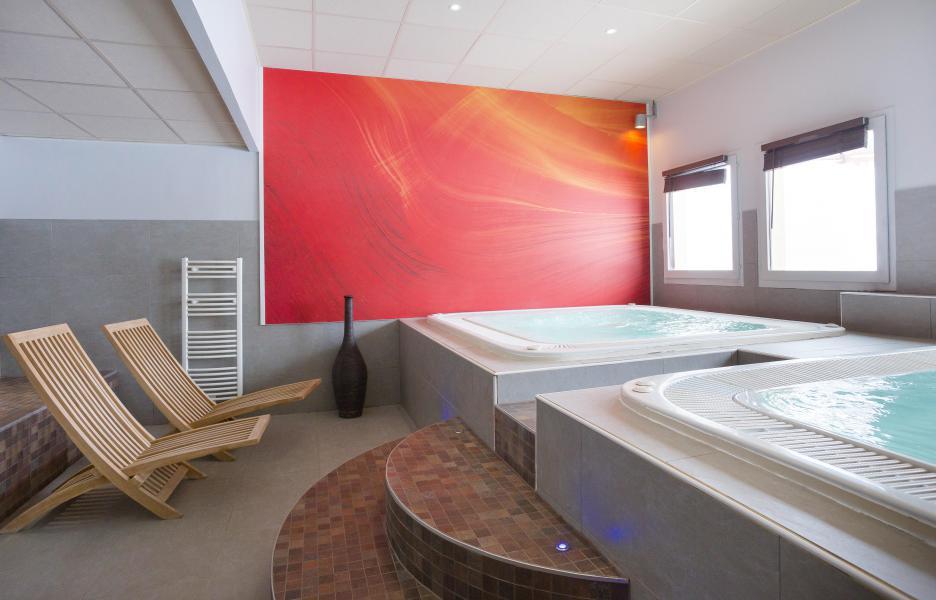 Location au ski Hôtel Club MMV les Bergers - Alpe d'Huez - Jacuzzi
