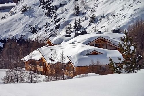Location au ski Hotel L'alpenrose - Alpe d'Huez - Extérieur hiver