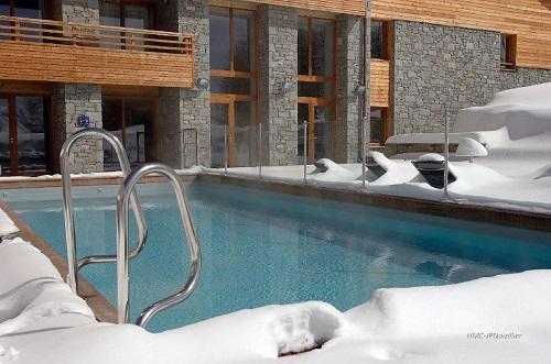 Location au ski Hotel L'alpenrose - Alpe d'Huez - Piscine