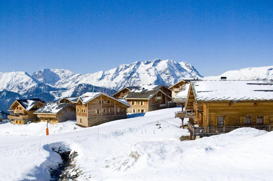 les chalets de l 39 altiport 35 alpe d 39 huez location vacances ski alpe d 39 huez ski planet. Black Bedroom Furniture Sets. Home Design Ideas