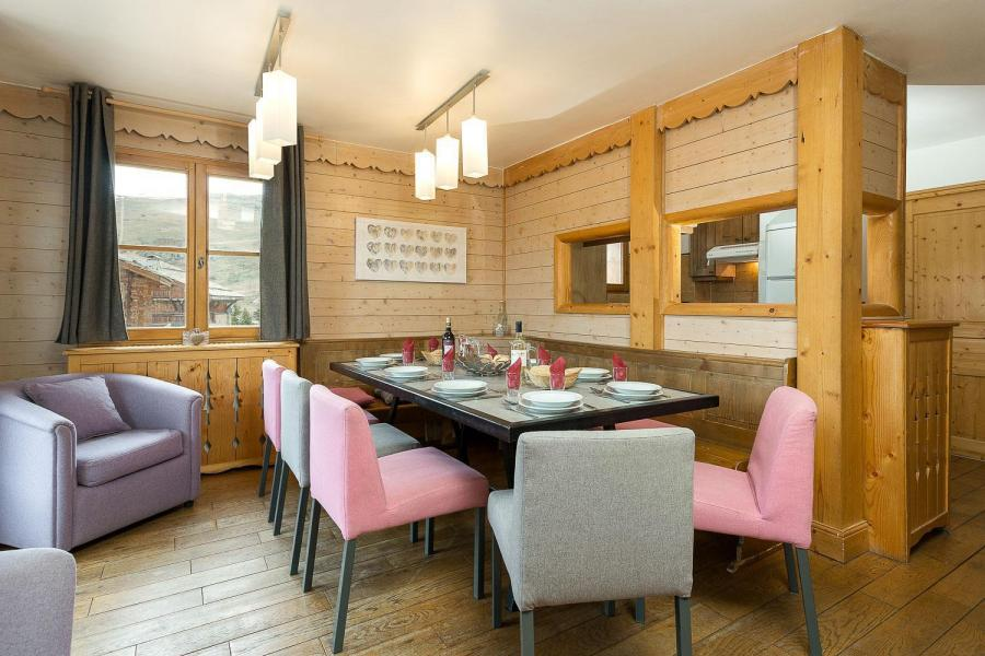 Rent in ski resort Les Chalets de l'Altiport - Alpe d'Huez - Dining area