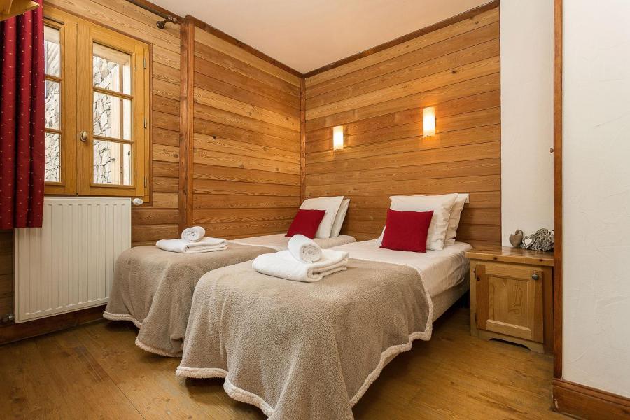 Location au ski Les Chalets de l'Altiport - Alpe d'Huez - Lit simple