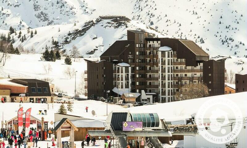 Аренда на лыжном курорте Résidence les Mélèzes - Maeva Home - Alpe d'Huez - зимой под открытым небом