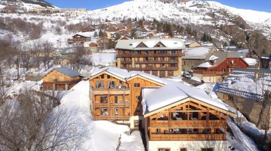 Rent in ski resort Chalet de Louis - Alpe d'Huez - Winter outside