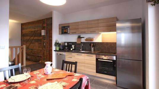 Rent in ski resort Chalet de Louis - Alpe d'Huez - Kitchen