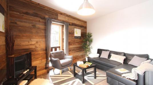 Rent in ski resort Chalet de Louis - Alpe d'Huez - Living room