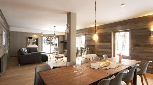 Rent in ski resort Chalet Nuance de Blanc - Alpe d'Huez - Dining area