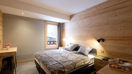 Rent in ski resort Chalet Nuance de Gris - Alpe d'Huez - Bedroom