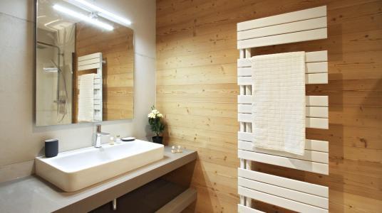 Rent in ski resort Chalet Nuance de Gris - Alpe d'Huez - Shower room