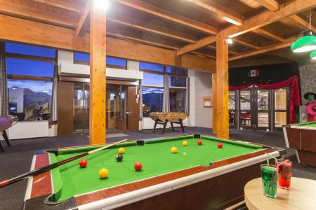 Location au ski Hôtel Club MMV les Bergers - Alpe d'Huez - Billard