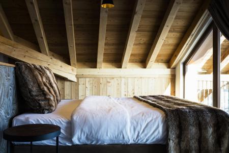 Rent in ski resort Hôtel Daria-I Nor - Alpe d'Huez - Bedroom under mansard