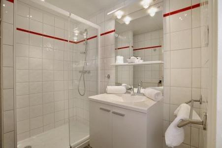 Location au ski Hotel Eliova Le Chaix - Alpe d'Huez - Salle de bains