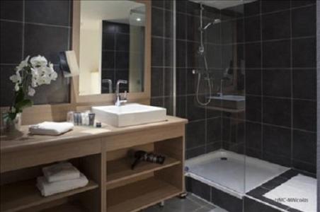 Location au ski Hotel L'alpenrose - Alpe d'Huez - Salle de bains
