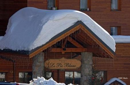 Location au ski Hotel Le Pic Blanc - Alpe d'Huez - Extérieur hiver