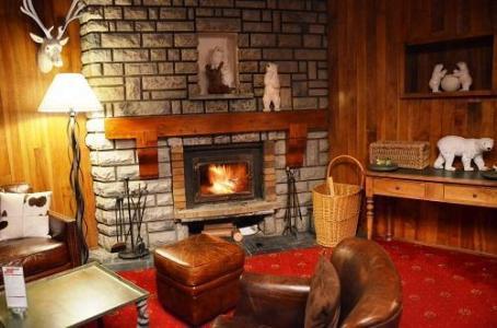 Location au ski Hotel Les Grandes Rousses - Alpe d'Huez - Cheminée