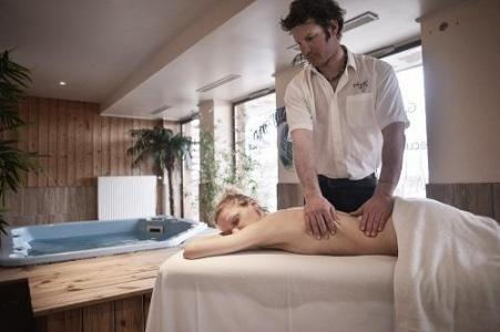 Location au ski Hotel Les Grandes Rousses - Alpe d'Huez - Massage