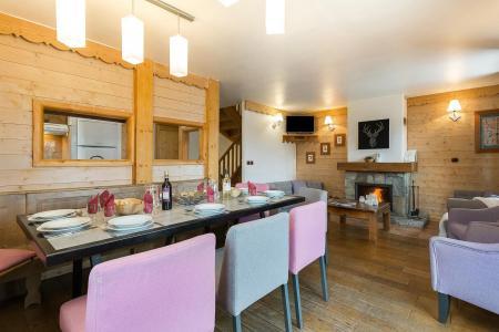 Rent in ski resort Les Chalets de l'Altiport - Alpe d'Huez - Dining area