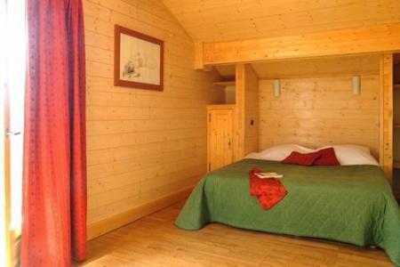 Location au ski Les Chalets De L'altiport - Alpe d'Huez - Chambre mansardée