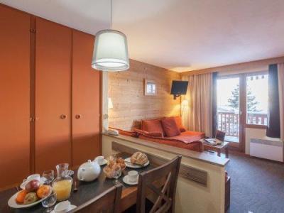 Location au ski Residence Pierre & Vacances L'ours Blanc - Alpe d'Huez - Table