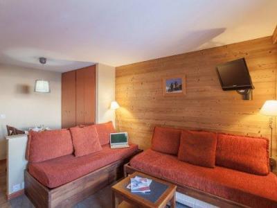 Rent in ski resort Résidence Pierre & Vacances l'Ours Blanc - Alpe d'Huez - Settee