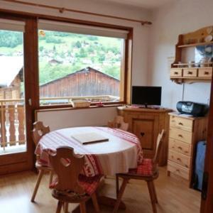 Location au ski Studio cabine 4 personnes (63) - Residence Le Bellecote - Arêches-Beaufort - Table