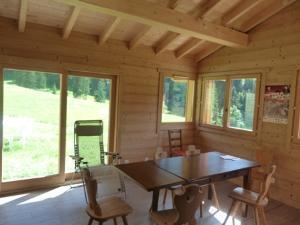 Location au ski Chalet 5 pièces 8 personnes (81) - Chalet Le Bois - Arêches - Table