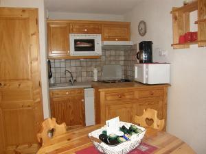 Location au ski Appartement 2 pièces 4 personnes (59) - Residence Le Montagnard - Arêches-Beaufort - Four