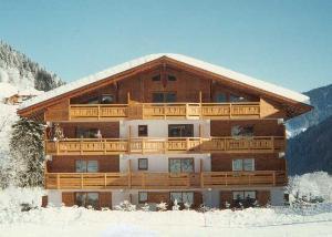 Location au ski Appartement 2 pièces 4 personnes (59) - Residence Le Montagnard - Arêches - Extérieur hiver
