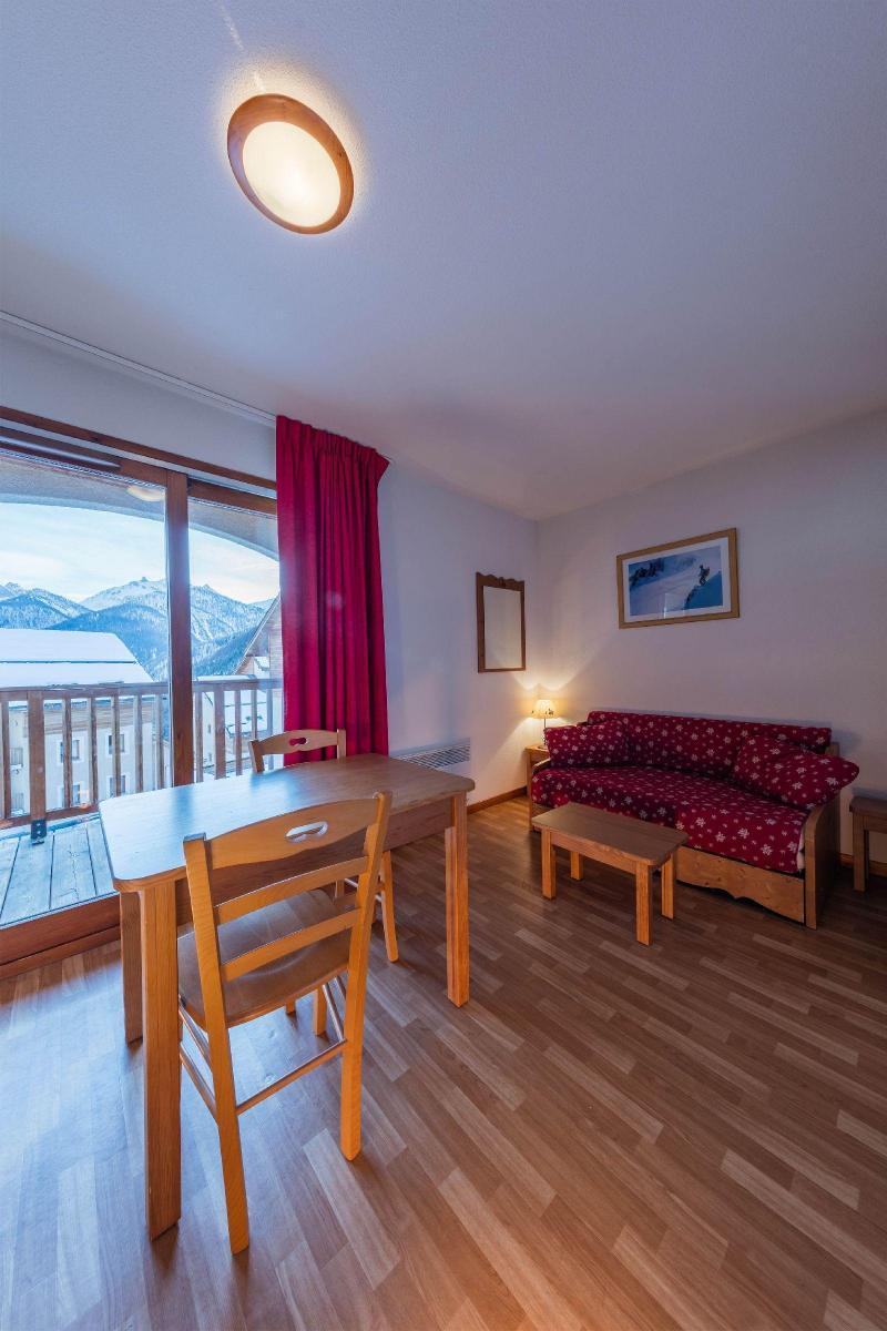 Rent in ski resort Résidence les Granges d'Arvieux - Arvieux en Queyras - Living area
