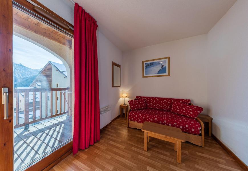 Rent in ski resort Résidence les Granges d'Arvieux - Arvieux en Queyras - Living room