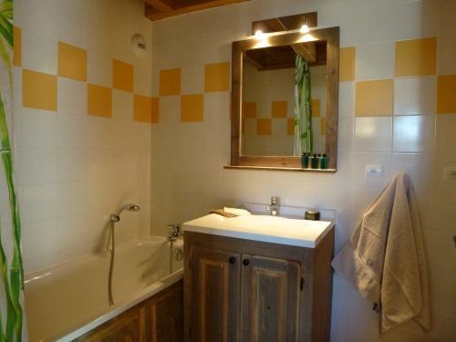 Location au ski Appartement 3 pièces 6 personnes - Residence Chalet Le Clos D'aussois - Aussois - Baignoire