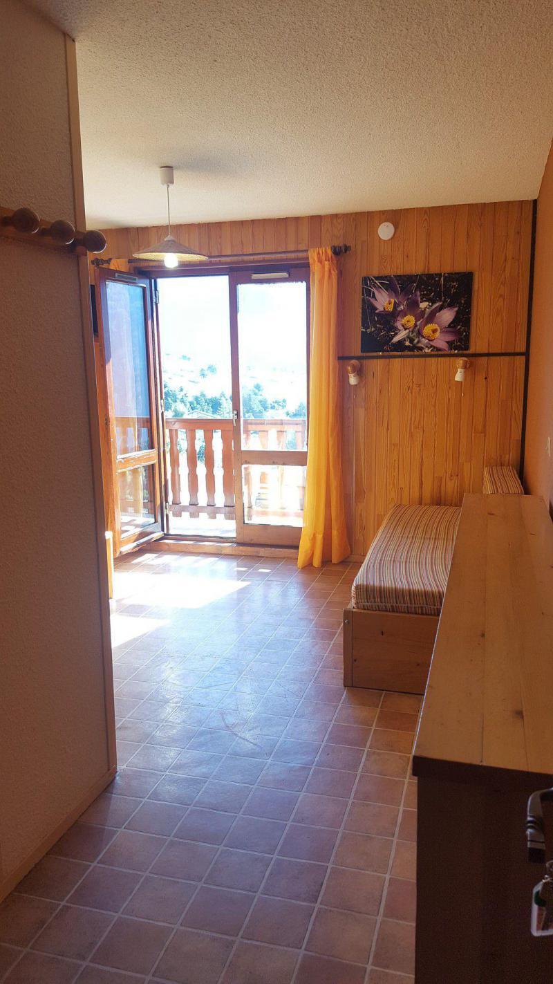 Rent in ski resort Studio 2 people (170) - Résidence Les Fleurs - Aussois - Apartment