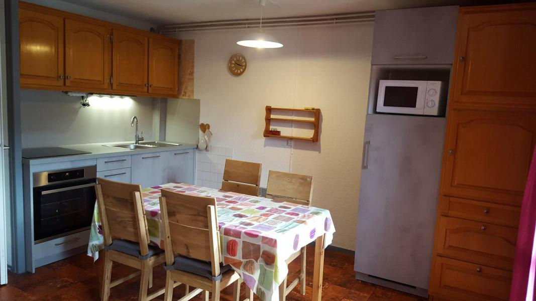 Rent in ski resort Studio cabin 4 people (30) - Résidence Les Fleurs - Aussois - Living room