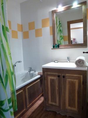 Location au ski Appartement 2 pièces cabine 6 personnes - Residence Chalet Le Clos D'aussois - Aussois - Baignoire