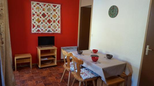 Rent in ski resort Studio cabin 4 people (70) - Résidence Les Fleurs - Aussois - Living room