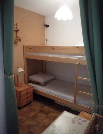 Rent in ski resort Studio cabin 4 people (STS178) - Résidence St Sébastien 1 - Aussois - Bunk beds